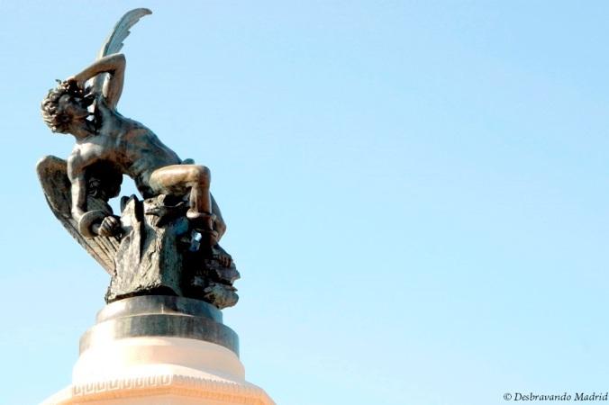parque retiro madrid jardim curiosidades anjo caido estatua