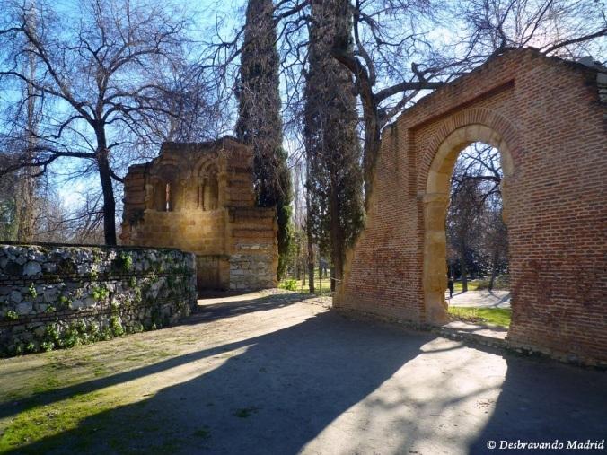 parque retiro madrid jardim curiosidades montanha artificial Ermida San Pelayo San Isidro
