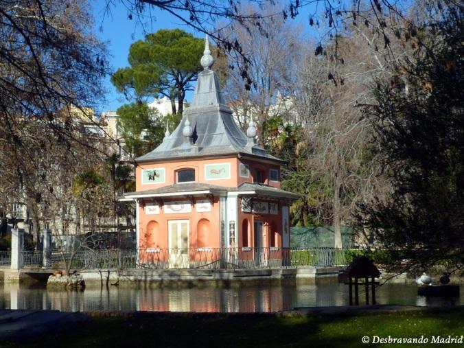parque retiro madrid jardim curiosidades montanha artificial Casita pescador