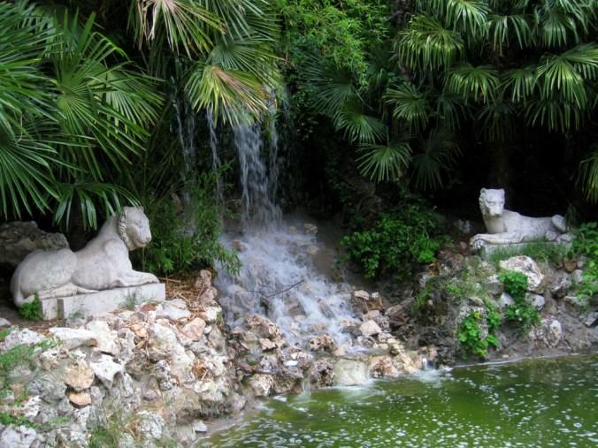 parque retiro madrid jardim curiosidades montanha artificial